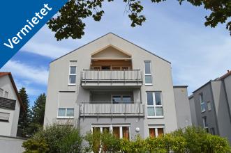 Außenansicht des neuwertigen Mehrfamilienhauses in Karlsruhe-Knielingen
